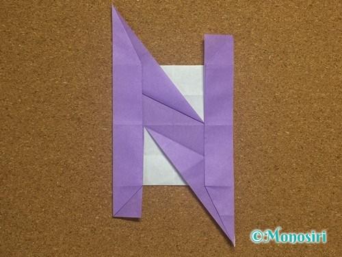 折り紙でアルファベットのNの折り方29