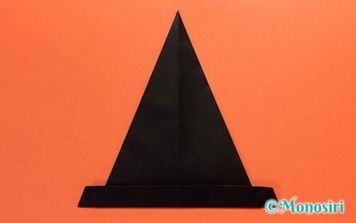 折り紙で作った「帽子」のハロウィン飾り