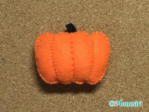 フェルトでハロウィン飾りのハロウィンかぼちゃの作り方14