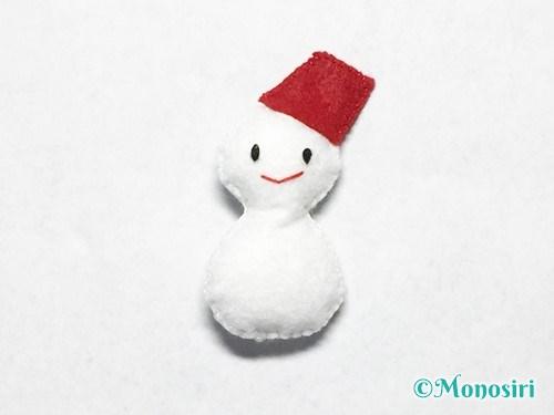 フェルトで雪だるまの作り方11