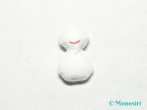 フェルトで雪だるまの作り方7