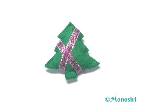 フェルトでクリスマスツリー飾りの作り方10