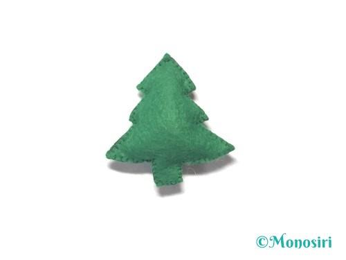 フェルトでクリスマスツリー飾りの作り方7