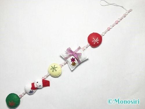 フェルトでクリスマスの吊るし飾りの作り方8