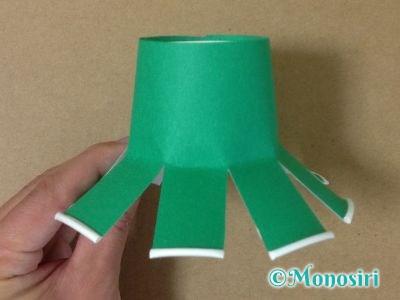 紙コップでクリスマスツリーの作り方7