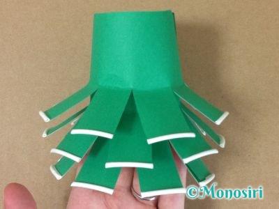 紙コップでクリスマスツリーの作り方9