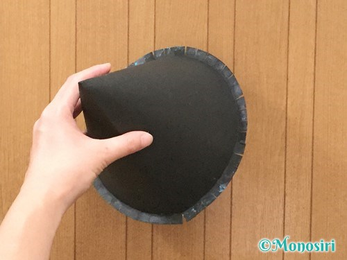 画用紙で魔女の帽子の作り方8