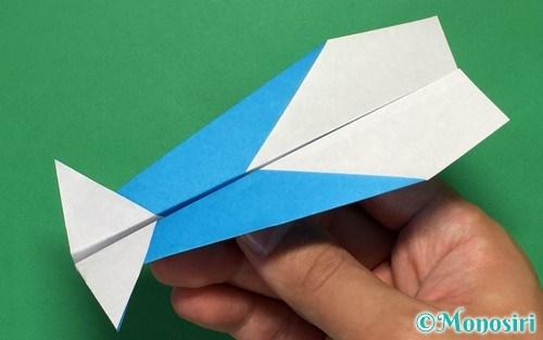 折り紙で作ったイカ飛行機
