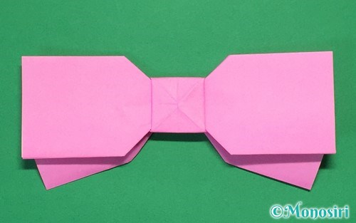 折り紙で折った可愛いリボン