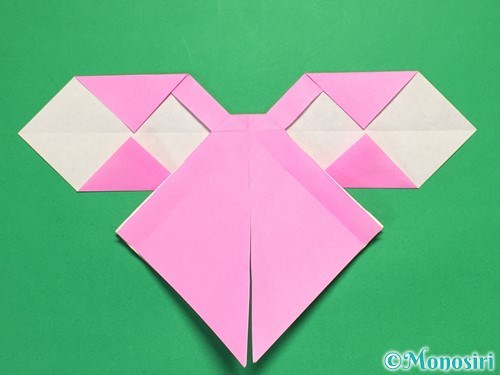 折り紙で立体的なリボンの折り方33