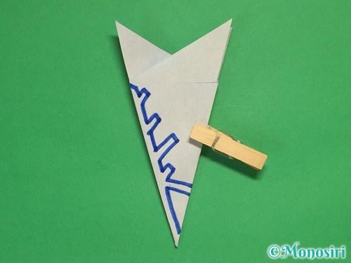 折り紙で雪の結晶の切り方13