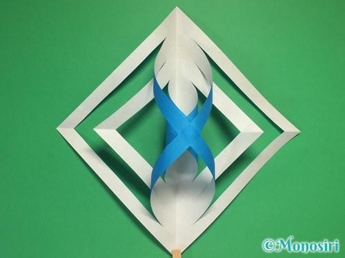 折り紙で立体的な雪の結晶の作り方10