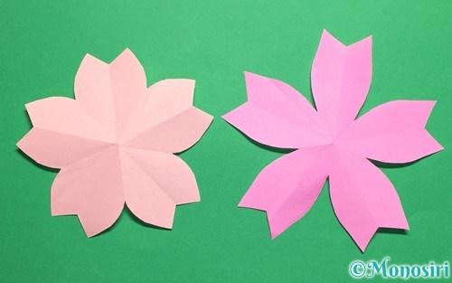 折り紙で作った桜の花びら