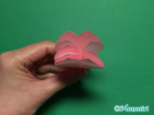 折り紙で立体的な桜の花びらの作り方手順27