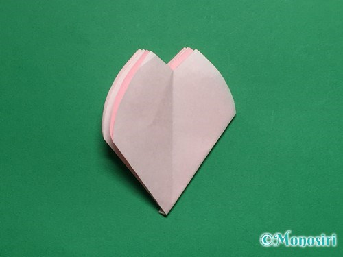 折り紙で立体的な桜の花びらの作り方手順29