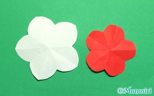 折り紙で作った梅の花