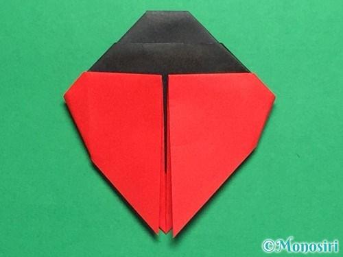 折り紙で立体的なてんとう虫の折り方手順22