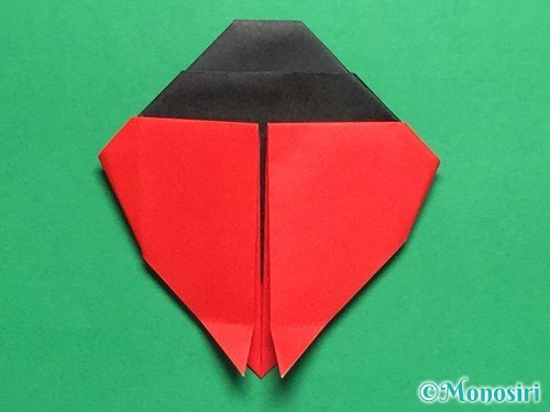 折り紙で立体的なてんとう虫の折り方手順24