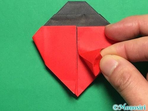 折り紙で立体的なてんとう虫の折り方手順27