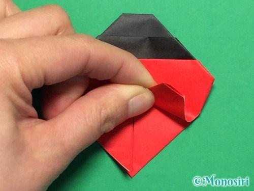 折り紙で立体的なてんとう虫の折り方手順29