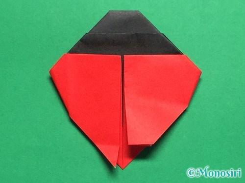 折り紙で立体的なてんとう虫の折り方手順30