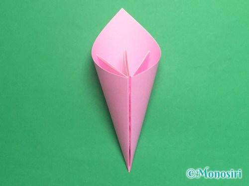 折り紙で立体的な桃の花の作り方手順16