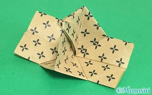 折り紙で作ったパッチンカメラ