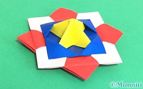 折り紙で作った回せるコマ