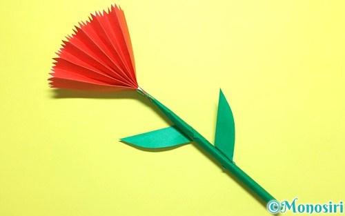 折り紙で作った立体的なカーネーション