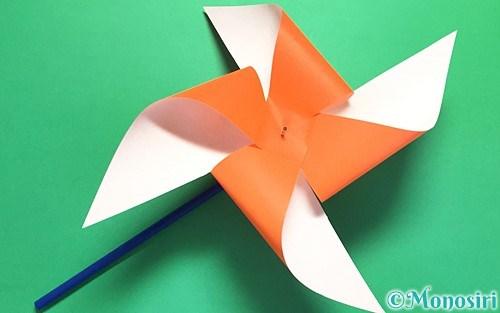 折り紙で作ったクルクル回る風車