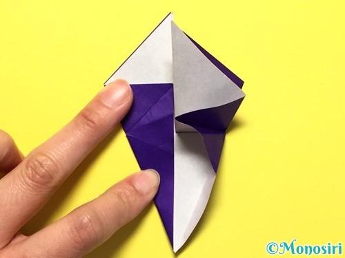 折り紙で立体的な百合の花の折り方手順25
