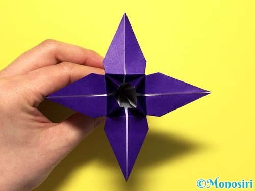 折り紙で立体的な百合の花の折り方手順36