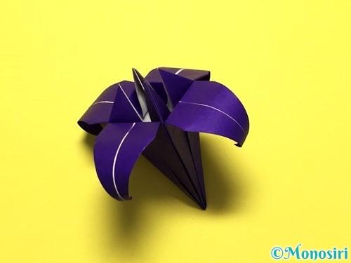 折り紙で立体的な百合の花の折り方手順40