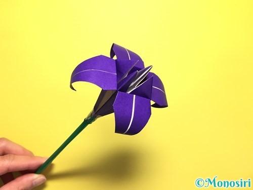 折り紙で立体的な百合の花の折り方手順55