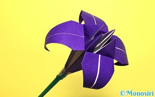 折り紙で折った立体的な菖蒲