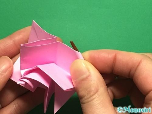 折り紙で立体的なバラの作り方手順38