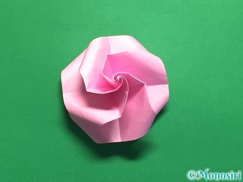 折り紙で立体的なバラの作り方手順41