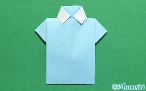折り紙で折ったポロシャツ