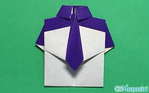 折り紙て作ったネクタイ付Yシャツ