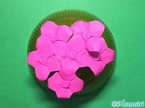 折り紙で立体的な紫陽花の作り方手順49