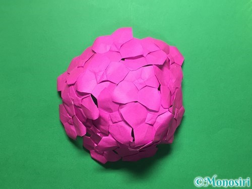 折り紙で立体的な紫陽花の作り方手順51