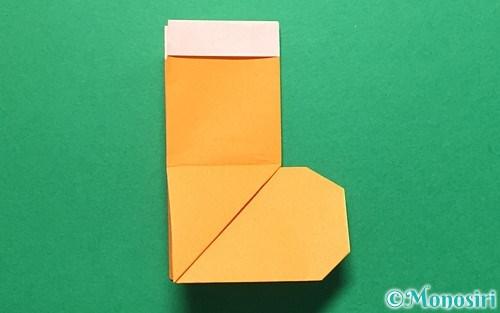 折り紙で折ったレインブーツ