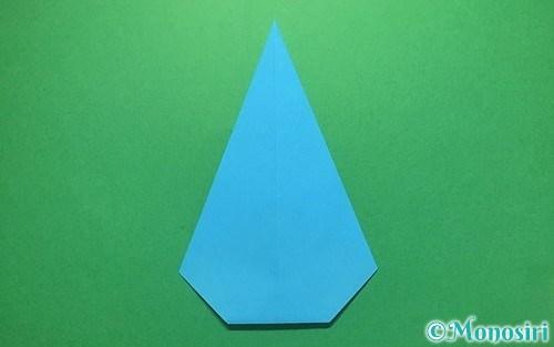 折り紙で折った雨のしずく