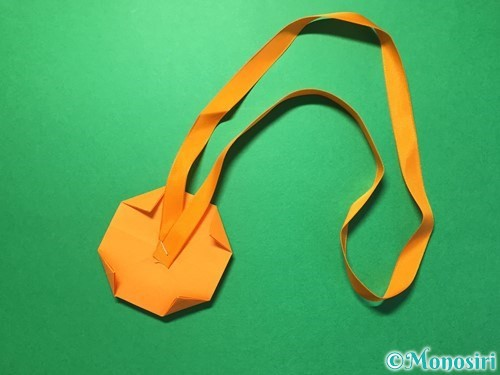 折り紙でメダルの折り方手順27