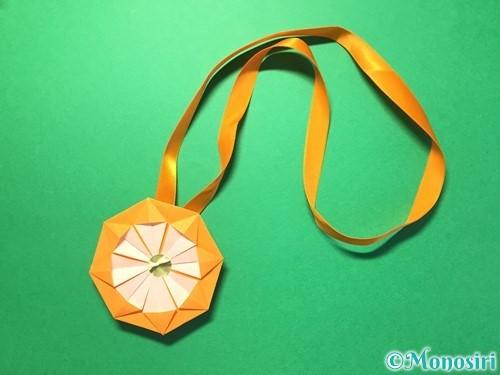 折り紙でメダルの折り方手順28