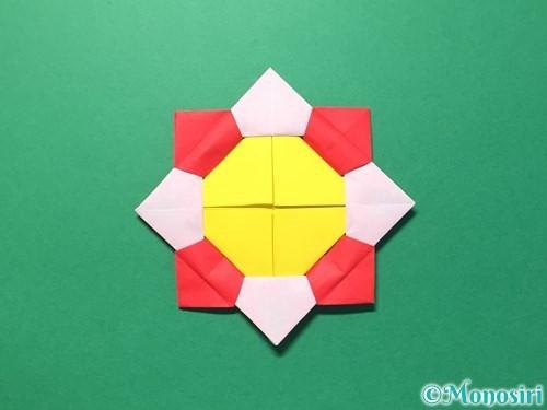 折り紙で花メダルの作り方手順41