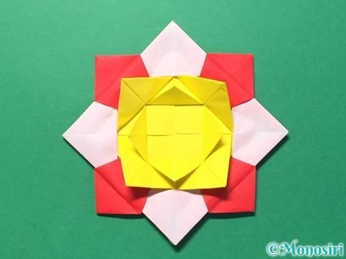 折り紙で花メダルの作り方手順45