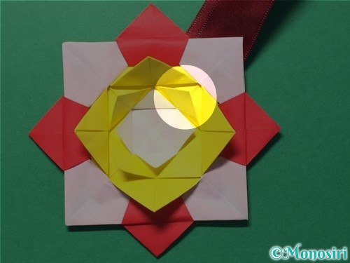 折り紙で花メダルの作り方手順50