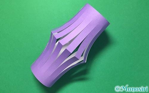 折り紙で作った提灯飾り