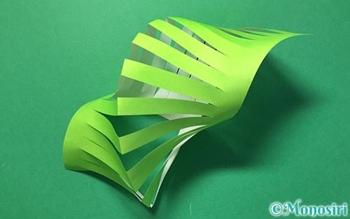 折り紙で作った貝飾り